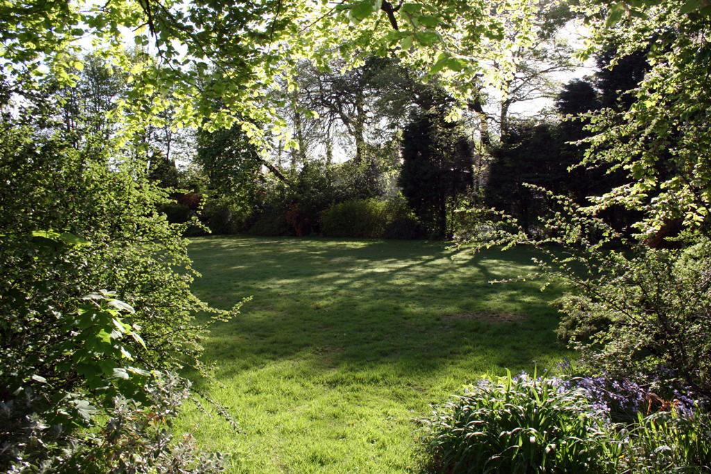 Lowlands Garden (Small)